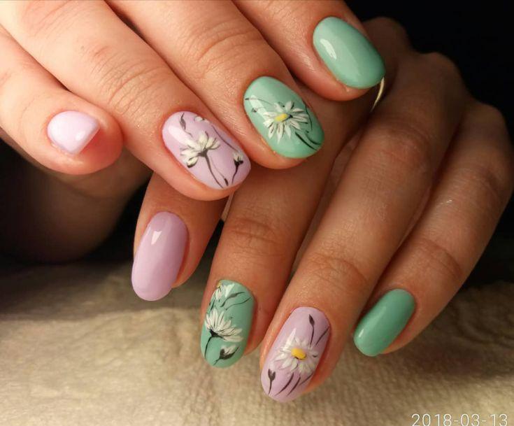 ромашки на ногтях