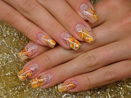 аквариумный дизайн ногтей желтые лилии aquarium nail design