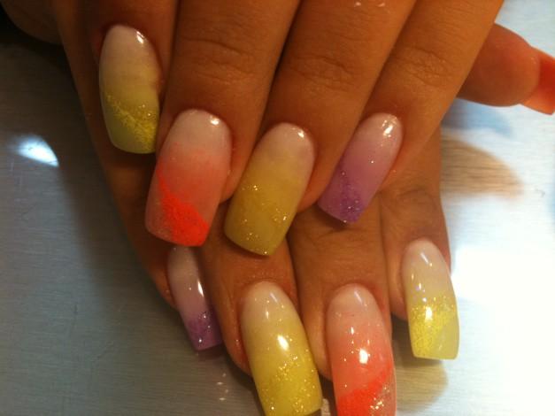 аквариумный дизайн ногтей разноцветный песок aquarium nail design