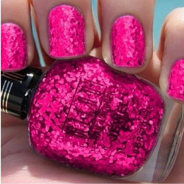 beautiful nail design fuchsia glitter