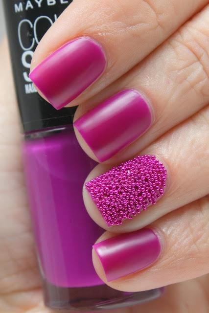 Дизайн ногтей на фиолетовом цвете