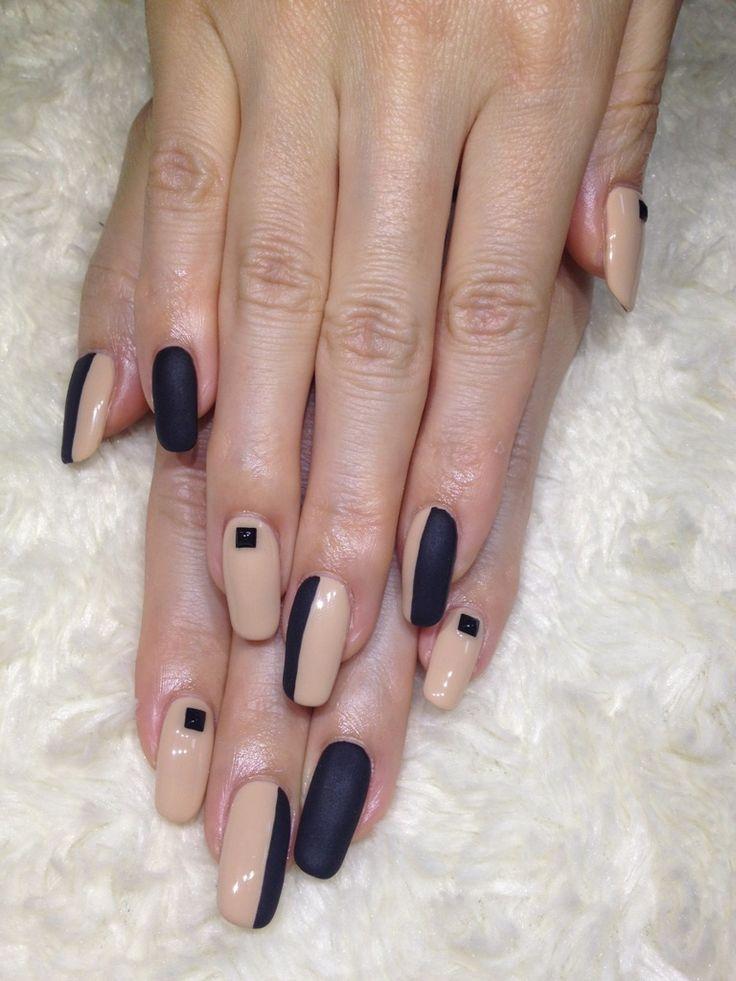 Ногти дизайн бежевые с черным фото