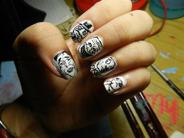 чёрно белый дизайн ногтей рожи из вк