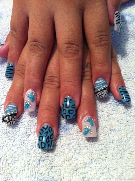 синий дизайн ногтей 3D unusual blue nail design