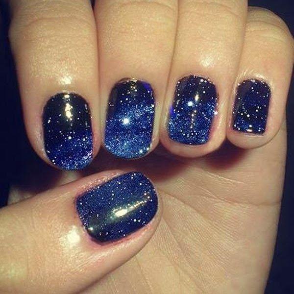 Темно синий дизайн ногтей