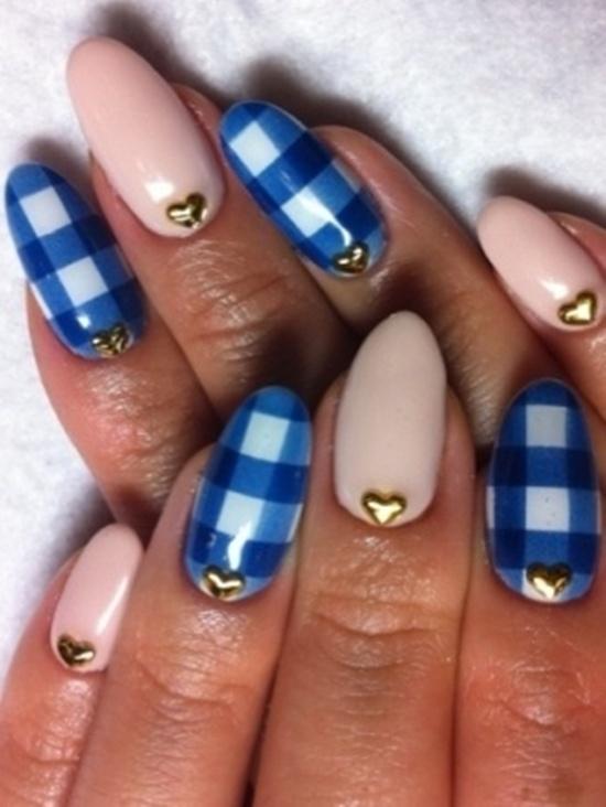синий дизайн ногтей клетчатый unusual blue nail design