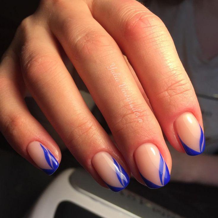 Дизайн ногтей в голубой цвет 93