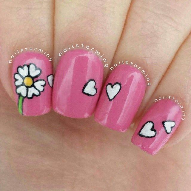 дизайн ногтей ромашка сердечки лепестки nail design with a picture of chamomile