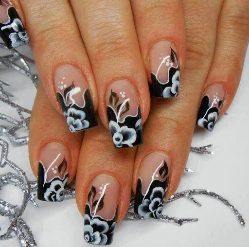 дизайн акриловых ногтей 2015 чёрно-белый цветок