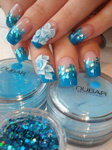 дизайн акриловых ногтей 2015 белый цветок и паетки