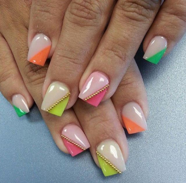 дизайн ногтей бульонки шарики по диогонали Nail Design bulbs
