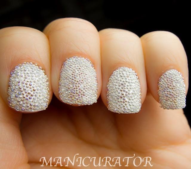 дизайн ногтей бульонки шарики белые Nail Design bulbs