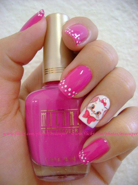 фото дизайн ногтей с кошками белая кошечка с розовым бантиком