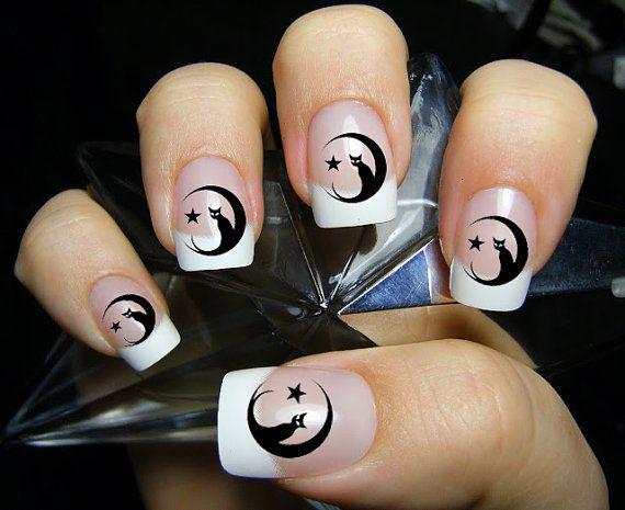 фото дизайн ногтей с кошками чёрная кошка сидит на луне