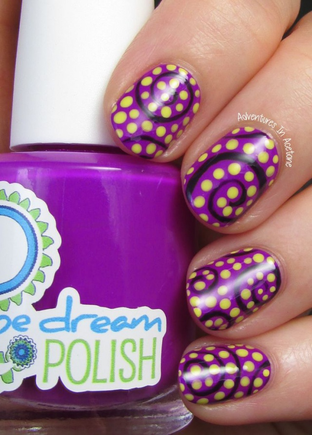 http://info-design-nail.ru/sites/default/files/images/design-nail-dots-1.jpg