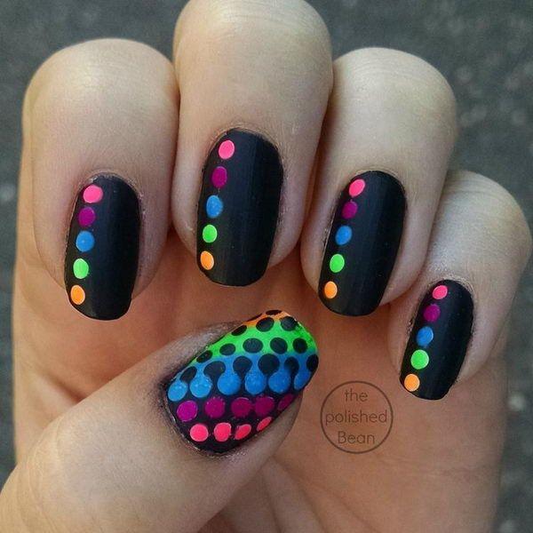 Ногти с точками фото