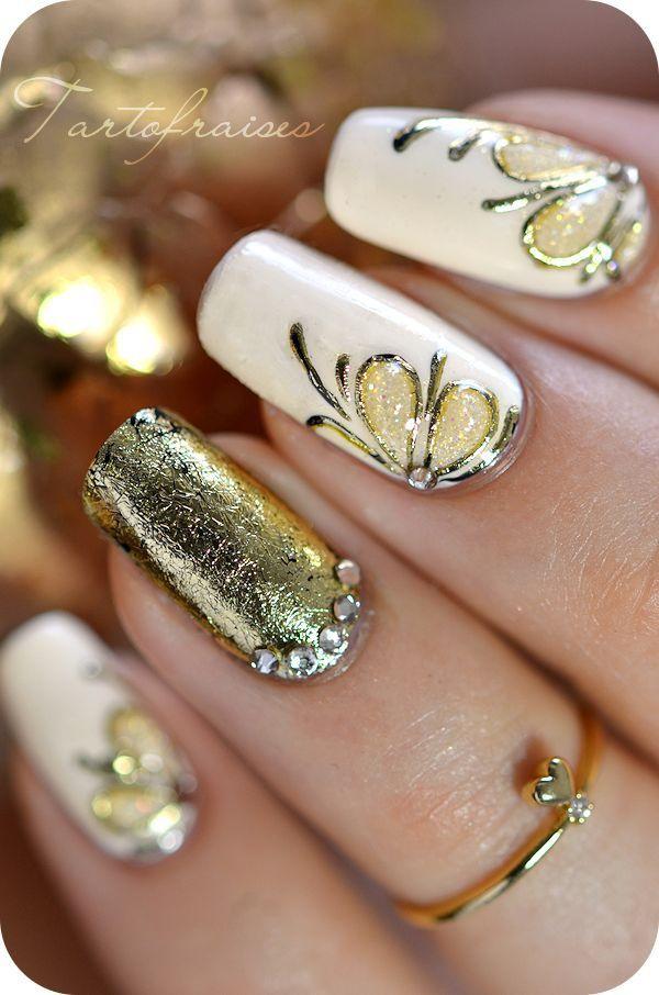 Ногти дизайн золотые