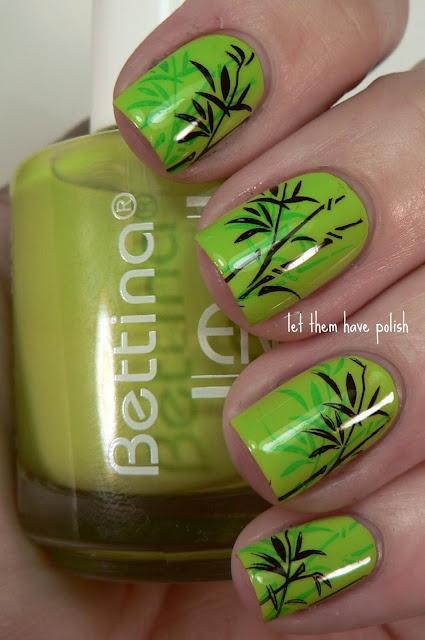 Нарощенные ногти в зеленом цвете