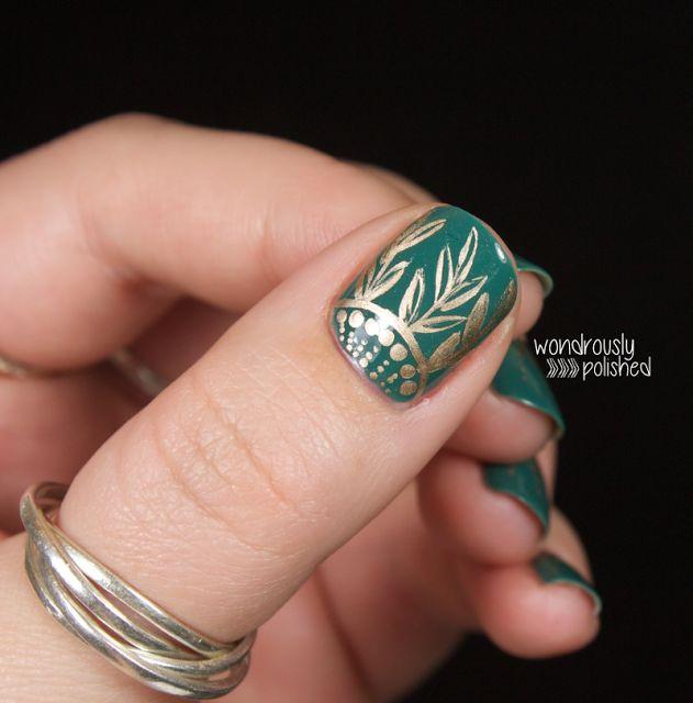 зелёный дизайн ногтей рисунок золотом Nail Design green