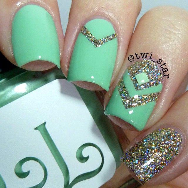 зелёный дизайн ногтей треугольник Nail Design green