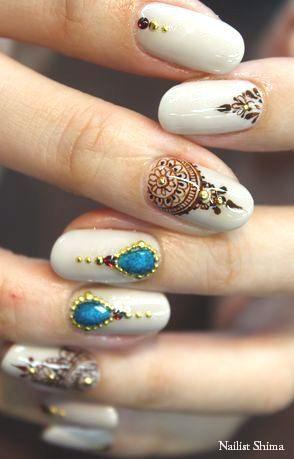 дизайн ногтей жидкий камень синий