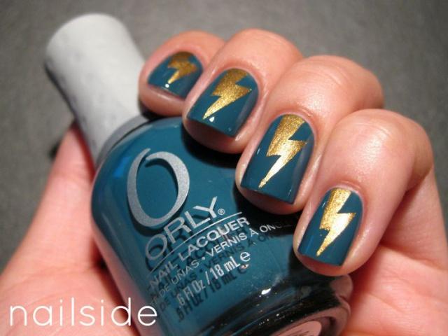 дизайн ногтей молния золотая