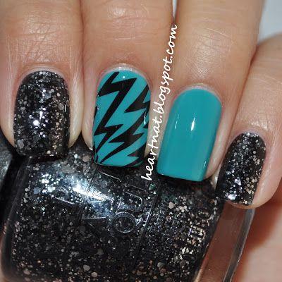 дизайн ногтей молния чёрная