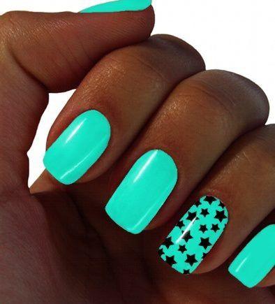 мятный дизайн ногтей звёзды