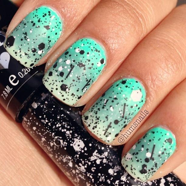 мятный дизайн ногтей паетки