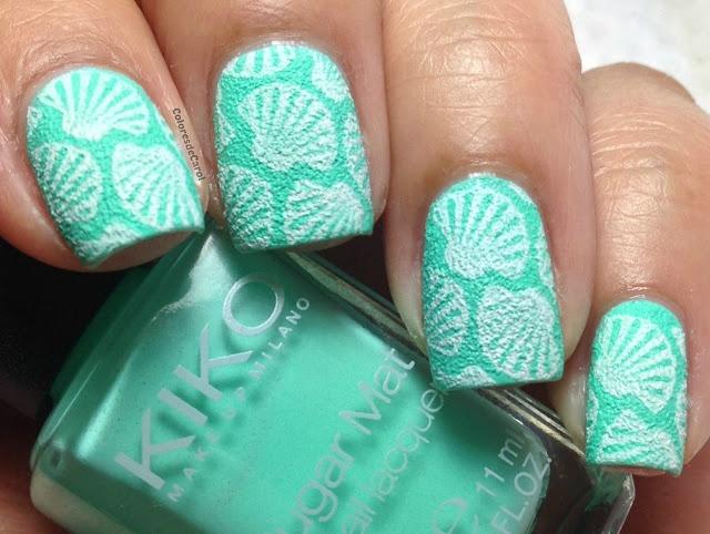 мятный дизайн ногтей ракушки