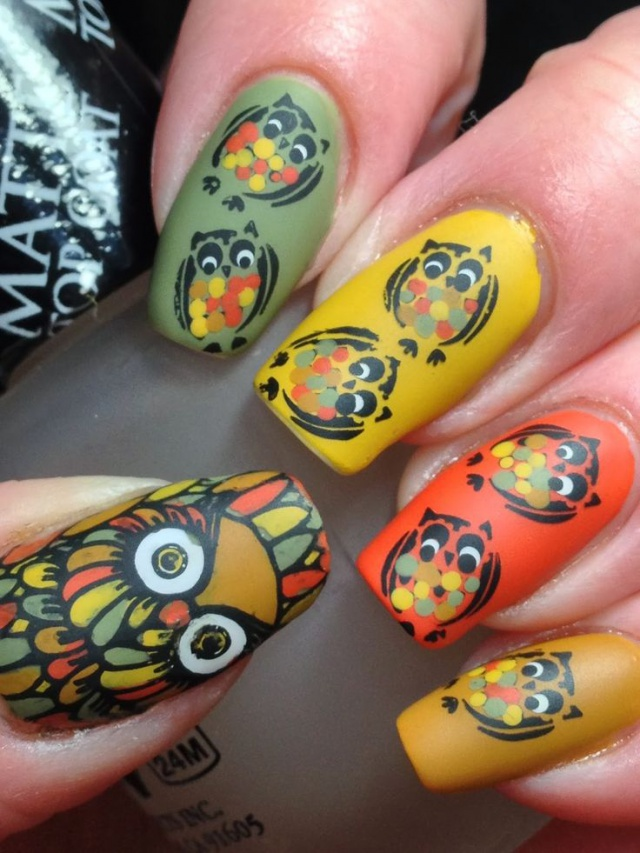 дизайн ногтей сова жёлтый фон