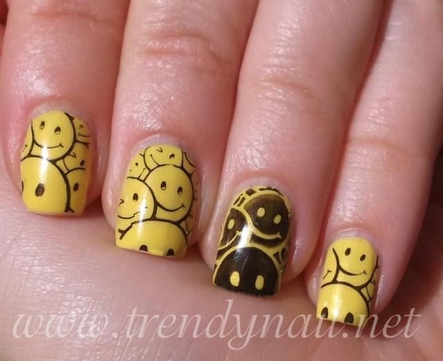 Рисунок смайликов на ногтях фото