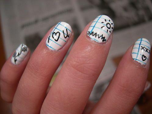 дизайн белых ногтей школьная тетрадь