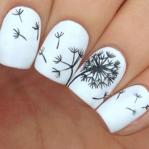 дизайн белых ногтей одуванчик