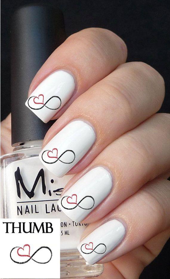 дизайн белых ногтей сердечко бесконечность