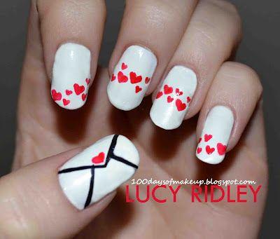 дизайн белых ногтей письмо сердечки