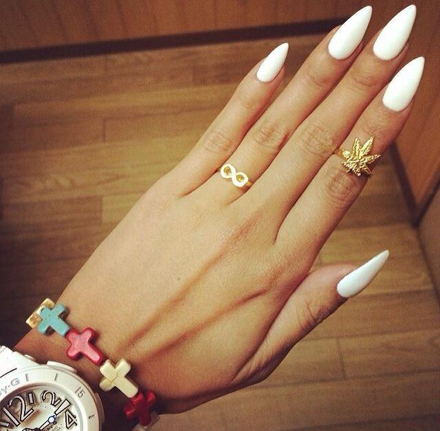 Острые белые ногти фото