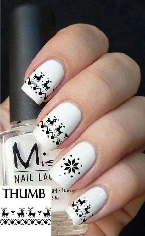 дизайн белых ногтей олени