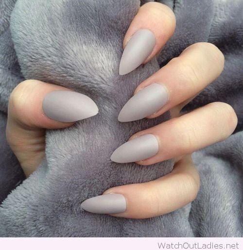 Коричневый френч на ногтях
