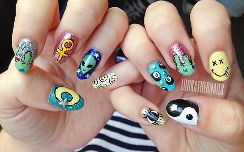 nails yin yang funny, alien
