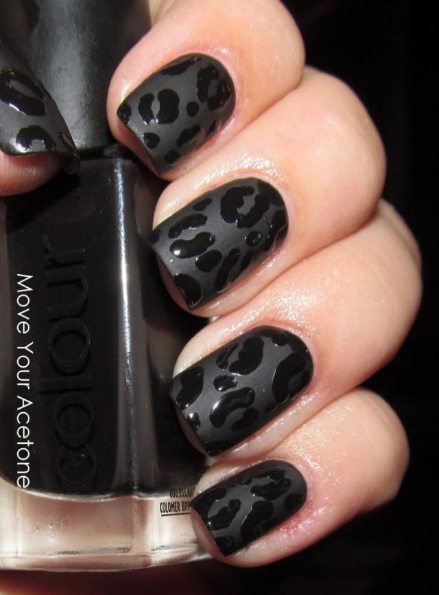 Черные короткие ногти