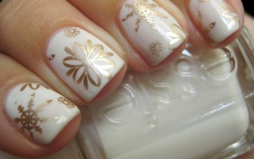 дизайн квадратных ногтей снежинка