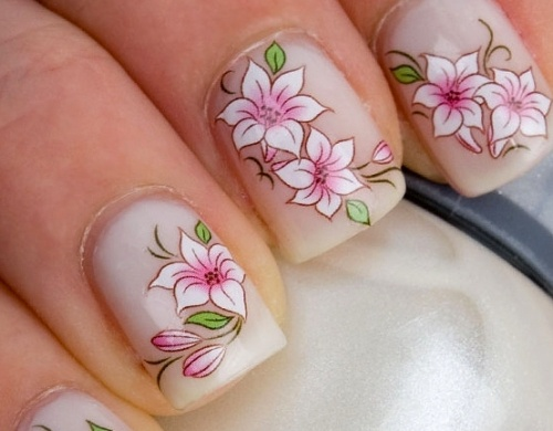 дизайн квадратных ногтей цветок
