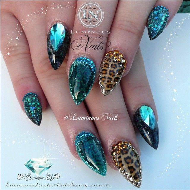 Дизайн острых коротких ногтей