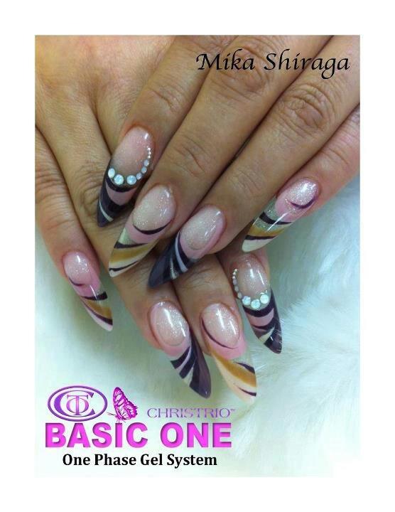 дизайн острых ногтей  наращенные sharp nail design