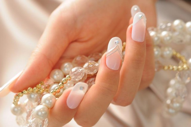 Дизайн на ногтях на свадьбу