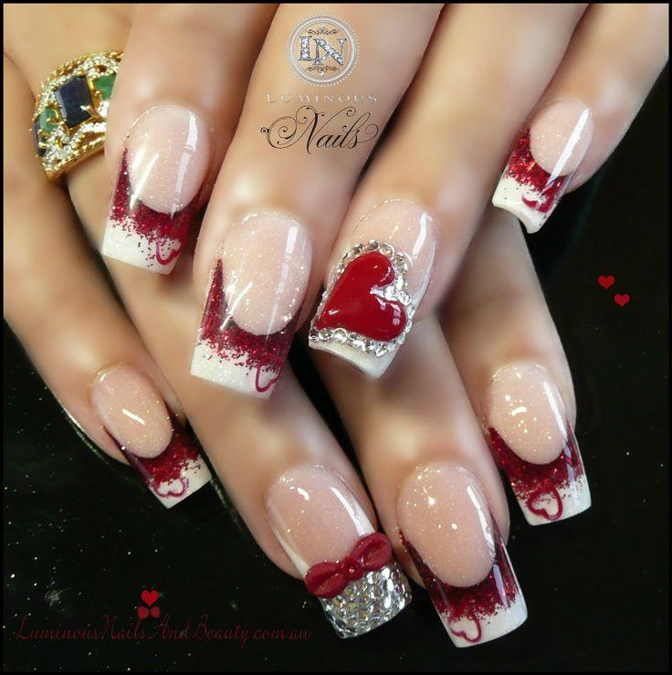Фото красного френча на ногтях