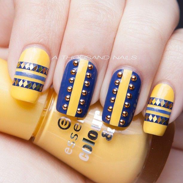 маникюр сине желтого цвета