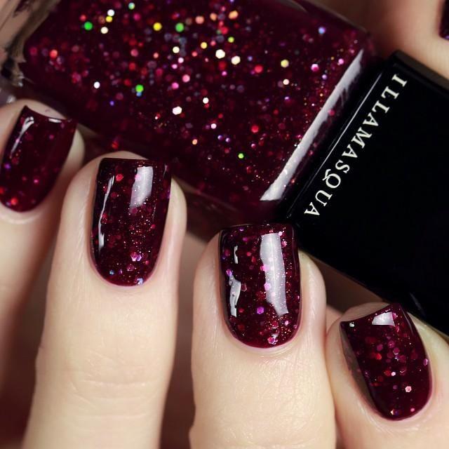 дизайн ногтей цвета бордо блестки