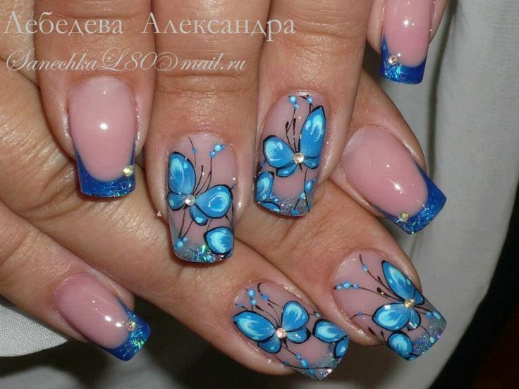 Маникюр с бабочками на ногтях